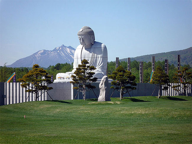 Makomanai Takino Buddha