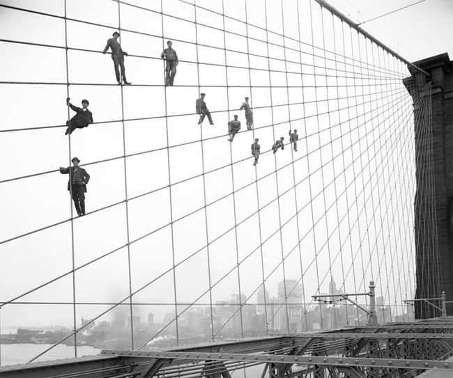 Brooklyn Bridge painters 1914