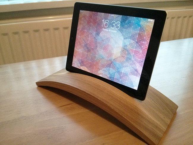Lapp iPad stand