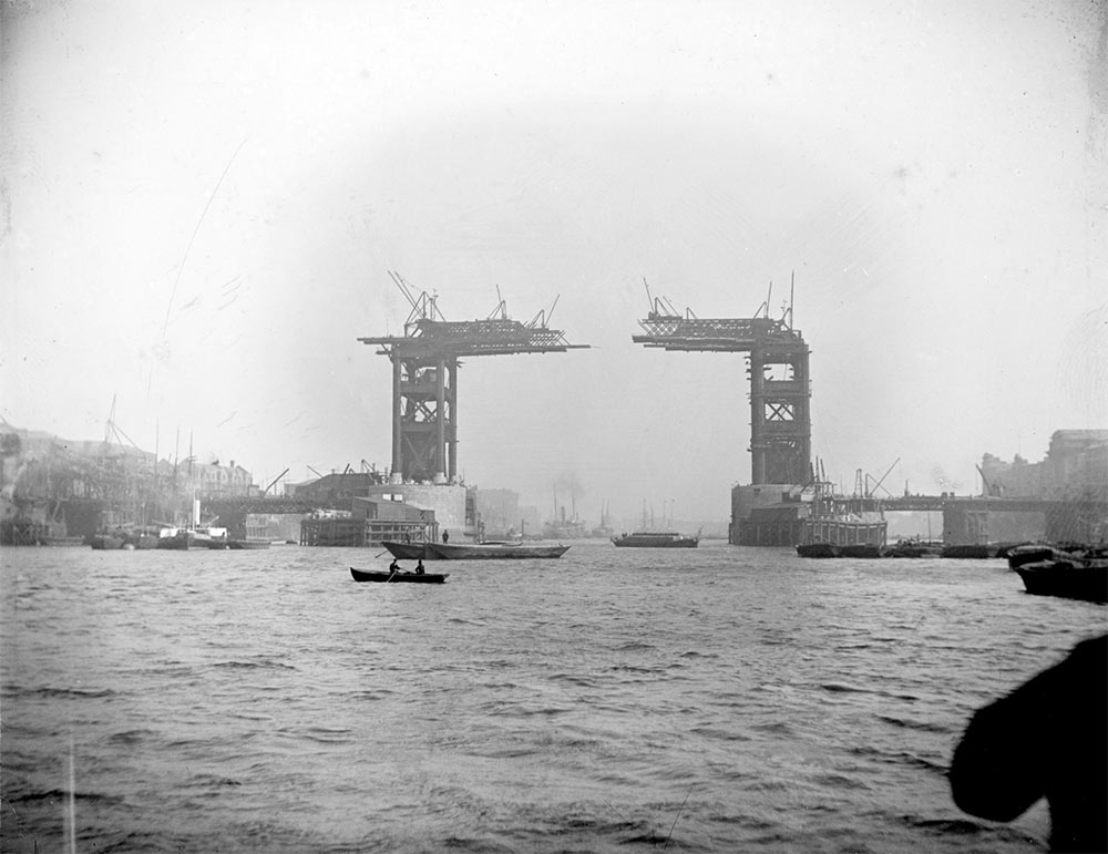 Tower Bridge construction, 1889
