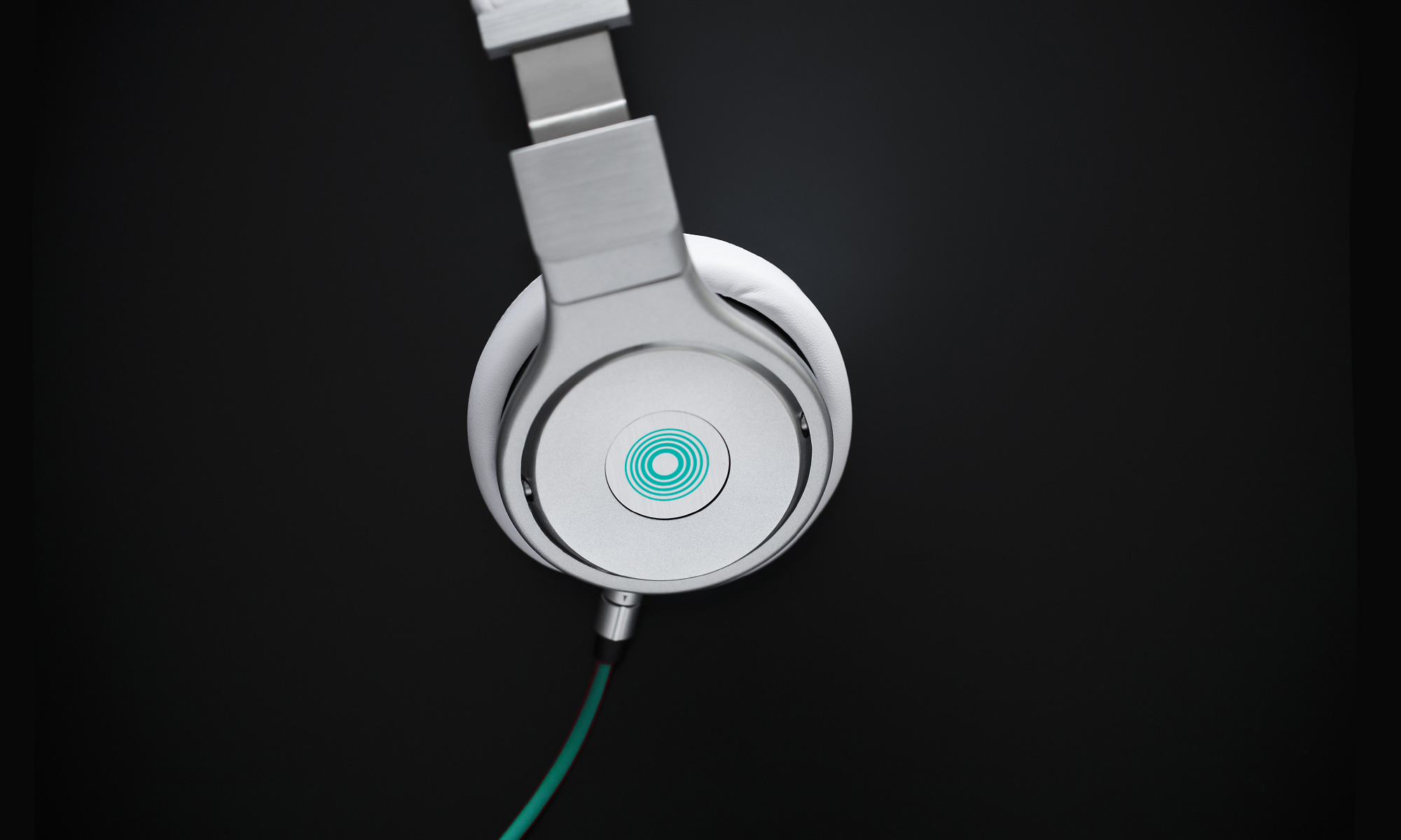 Tunelinks logo on headphones